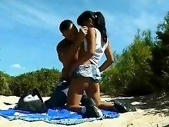 Nude Beach - Väikesed Tissid Aasia Analized & CIM Näo