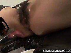 Ασιατική κορίτσι ομολόγων και fuckd από ένα γαμημένο