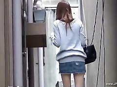 Oriental girls visit toilet.18