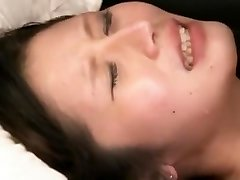 Traks Japāņu cāli Akari Minamino, Azusa Ito Vislabāk Sunīšu pozā, 69 JAV klipu