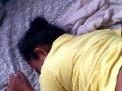 Sekss ar manu indonasian meitene savā istabā. [PATIESS STĀSTS SEKSU NODARBOJAS]