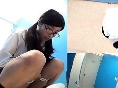 Asian teenies squat to pee