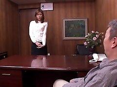 Akari Misaki v Mladú Ženu a V Zákonoch 2, časť 1
