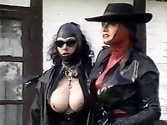 Kinky latex dominatrixes examine pussy of one plum chick outdoor