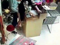 Aziatische fuking in de winkel