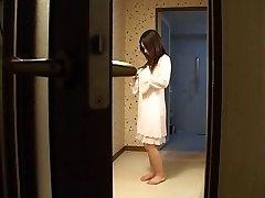 Japanski majka fucks joj je sin-s druge-bez cenzure (Мрно)