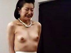 Mali Japanski Vile Se Uzgaja Granny 6 Bez Cenzure