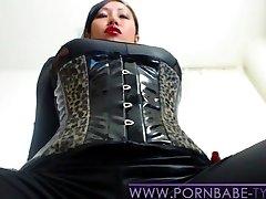 PornbabeTyra giving you masturbate off instruction