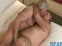 Older gay bears fucking and sucking part6