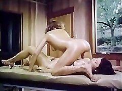 Oily retro dame-girl massage