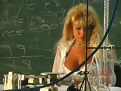 Beauty Fucking at Chemistry Class