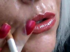 Smoking blondie