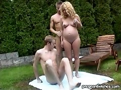 Pregnant Lena outdoor Dp