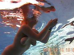 Underwater 1 - Tattooad woman