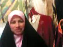 arab woman in store