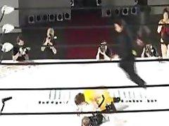 Japonês Show De Wrestling Com Fisting