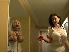 Figuradas cheias menina hogtied em lingerie branca