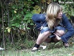 Gals Pissing voyeur video 42