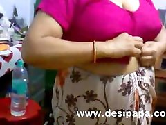 Amateur Mature Indian Bhabhi Changing BigTits Exposed
