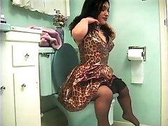 Midget bathroom sex