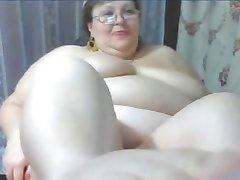 mature BBW shows off her body
