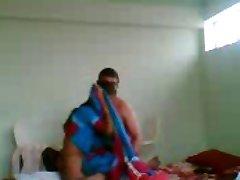 העוזרת ההודית