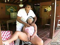 Vecchio pazzo Brasiliano slut nonna!