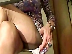 Super sexy Stockings legs in cam 1!!!