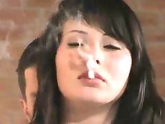 jente i Pels Røyker