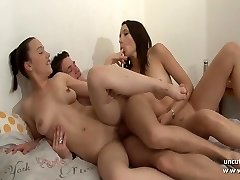 FFM 2 french teenage stunners fucking in 3way with cum swapping
