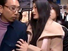 Risa Murakami, Madoka Kitahara en Masturbar Delante De su Marido
