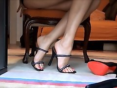 high high-heeled shoes live cam