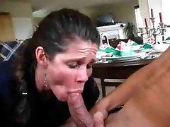 소년 질내사정이 너무 빨리,섹시한중년여성을 저장 하려고 하는 장면