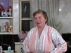 La vieille Rita se lave durch Clessemperor