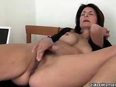 Porn will get mom's pussy tastey