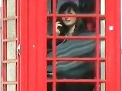 Pulchne nastolatki nadzy na ulicach Londynu - negocjacje