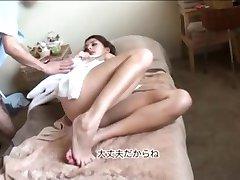 Brunetka dostaje specjalny Japoński Masaż