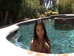 Lana fioletowe bikini seks