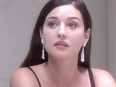 Naga Monica Bellucci - Pod Podejrzeniem