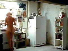 abigail clayton adiós monkey escenas completas 1981