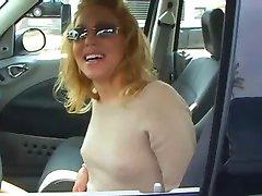 Liv Wylver en su coche se encuentra el Señor Marcus
