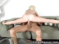 Busty blonde hore suger stort jizzster part5