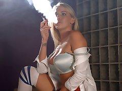 Danielle Maye de la cadena de fumar