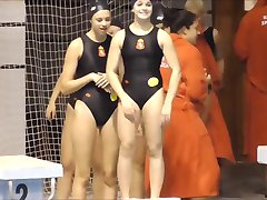Svømmer jente