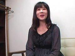52yr de edad de la Abuela Yoshiko Saito Ama Creampies (sin Censura)