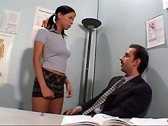 Opettaja sodomising opiskelija's kusipää