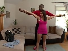 Kayla Oeste tiene a su marido ver su polla negra