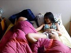 vaihe-sisarukset jakaa sänky