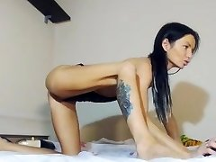 Red-hot Squirty Queen on Web Cam