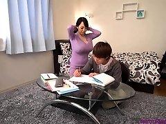 грудастая азиатский учитель огромный сиськи